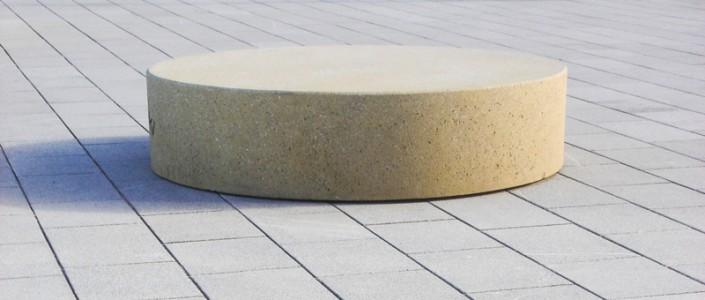 Sitzgelegenheit aus Beton