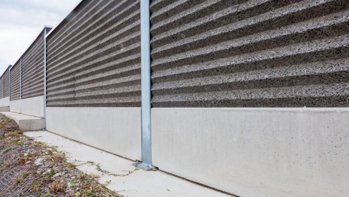 Sockelplatten aus Beton für Lärmschutzwände